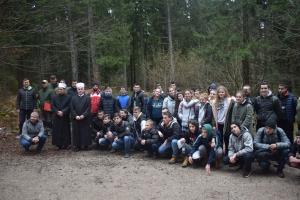 Učenici sa svojim vjeroučiteljima sudjelovali u pošumljavanju